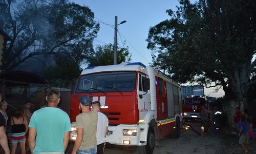Пятничным вечером на пожаре в Севастополе сгорел человек