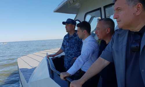 Зеленский наблюдал за учениями в Азовском море