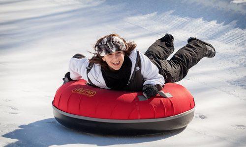 Крымчане продолжают биться на снежных «ватрушках»