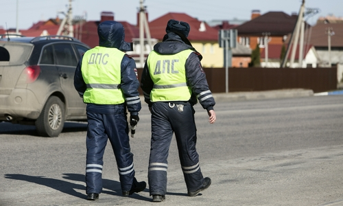 Ночью в Симферополе поймали пьяного водителя без прав