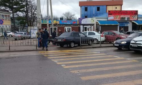 Под Симферополем легковушка въехала в светофор
