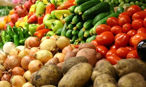 Аксенов придумал, как сбить цену на продукты