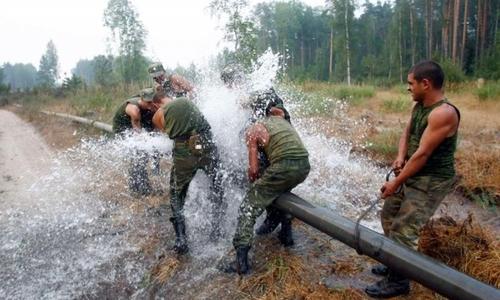 Военные в Крыму трудятся по-стахановски