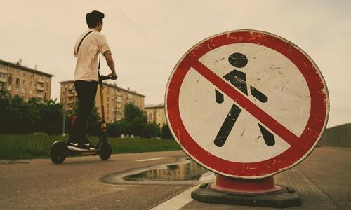 А крымчанам не нравятся пьяные туристы. И что, туристов теперь запрещать?
