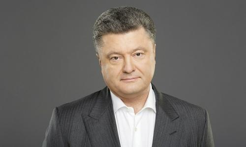 Порошенко попросил вернуть из Керчи украинские бронекатера и буксир