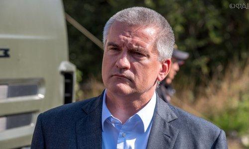 Аксенов признался, что катается по Симферополю от нечего делать