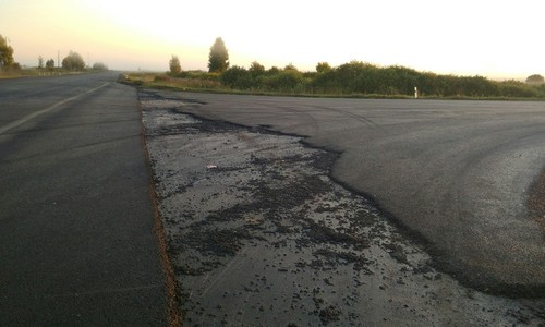 Дорожная техника уехала со строящейся дороги на аэропорт Симферополя