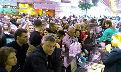 Москва тормозит ковид, но это не тормозит туристов