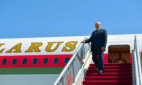 Первым авиарейсом в Крым возможно прилетит сам Лукашенко