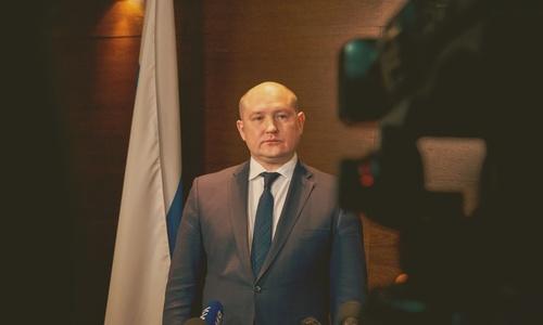 В майские у губернатора Севастополя был занят рот