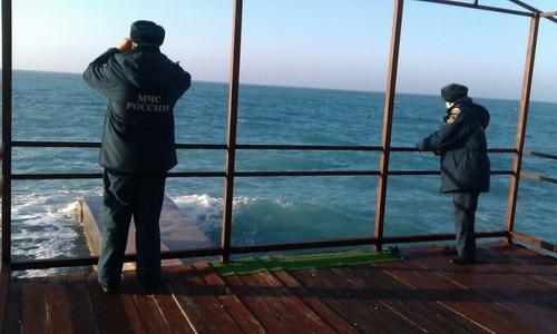 Крымские спасатели нашли тело третьего рыбака