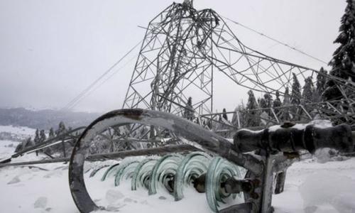 Непогода в Крыму свалила почти 50 опор ЛЭП