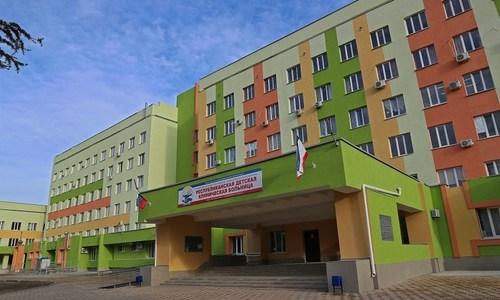 У детской больницы Симферополя появилась вертолетная площадка