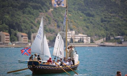 Ботик Петра Великого спустили на воду в «Артеке»
