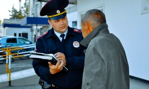 В Крыму полицейские массово прочесывают гостиницы