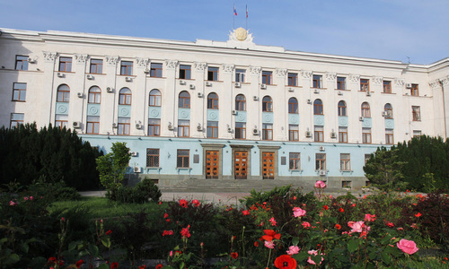 Кто из вице-премьеров Крыма сохранил свои кресла