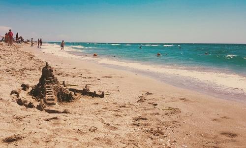 Подорожание отдыха в Крыму свалили на курс доллара