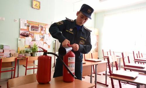 Росгвардейцы проверяют все школы Севастополя