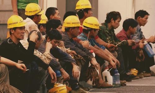 Гастарбайтеров из Китая выгнали со строительства Симферопольского аэропорта