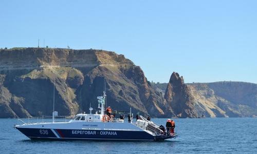 В Крыму затонула яхта с туристами
