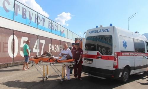 Членов экипажа затонувшего судна доставили в Ливадийскую больницу