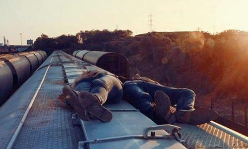 Он проехал от Благовещенска до Симферополя на крыше поезда
