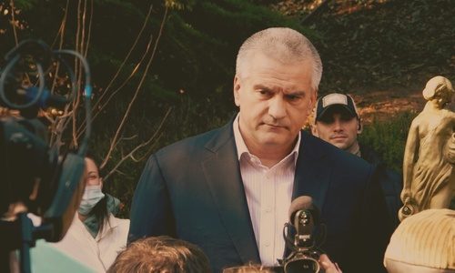 Глава Крыма взял ноги в руки