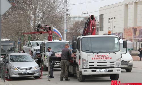 На улицы Симферополя добавят эвакуаторы и патрули