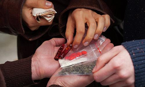 Симферополец торговал наркотиками через Интернет
