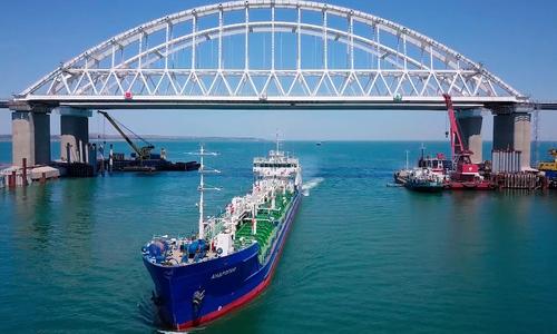 Европарламент винит Крымский мост в падении уровня морской воды
