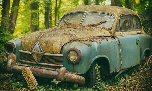 В Симферополе нашли 11 никому не нужных авто