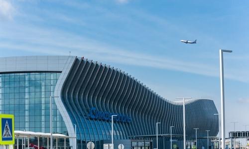 В аэропорту Симферополя на месяц подешевела парковка