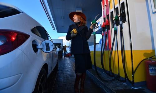 К лету цены на бензин в Крыму сравняют со средними по РФ