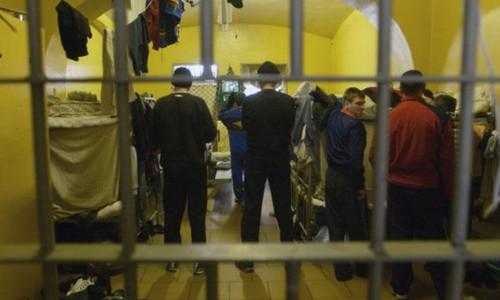 Распухшие СИЗО Крыма расширят