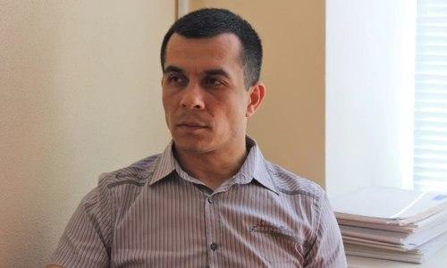 В Крыму задержали правозащитника Эмиля Курбединова