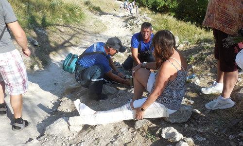 Орлинка сломала ногу возле Чуфут-Кале