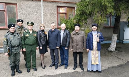 Крымские казаки пропагандируют службу в армии среди детей