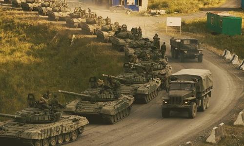 Памятка туристам: увидев в Крыму переброску военной техники не надо пугаться