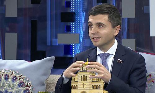 Руслан Бальбек предлагает чтить православие по Конституции
