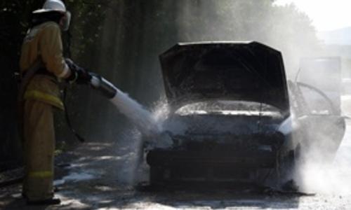 Машина украинских туристов сгорела, не выдержав заторов крымских дорог