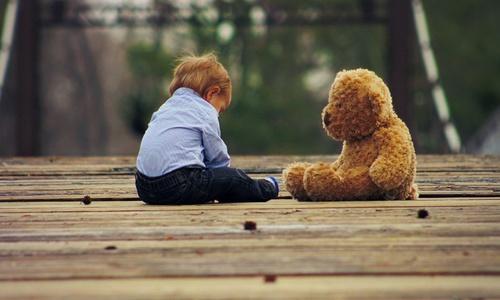 История с ребенком, брошенным на озере в Крыму
