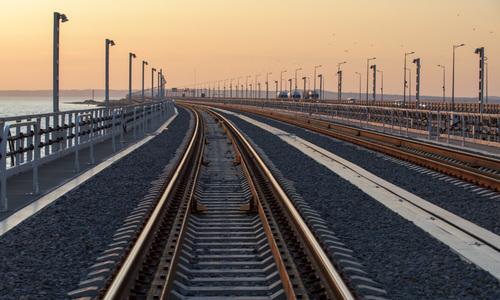 Поезда с материка поедут в Евпаторию и Феодосию