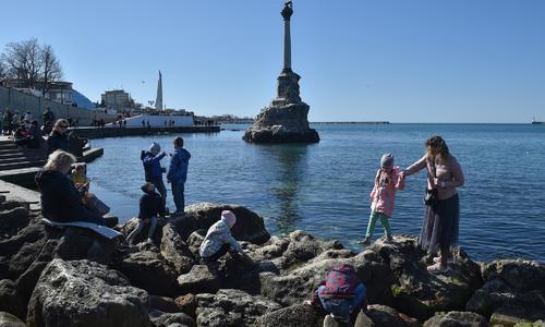 Жителей осажденного Севастополя приравняют к ветеранам?