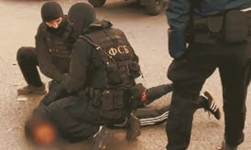 В Крыму банду накрыли прям на дороге. Задерживали со стрельбой