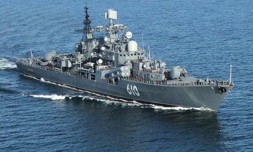 Россия в Черном море следит за эсминцем США
