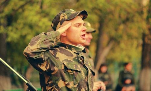 Военком и церковник обсудили как правильно воспитывать призывников