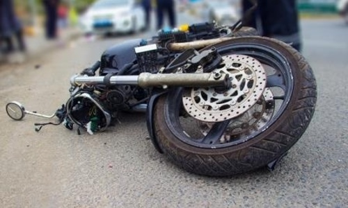 В Керчи мотоциклист погиб, врезавшись в бетономешалку
