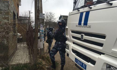 ФСБ задержала в Крыму 20 членов «Хизб ут-Тахрир»