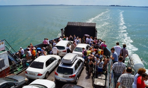 Переправа забросила в Крым рекордное число машин