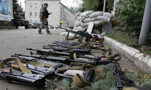 В Донбасс везут оружие из Крыма, – глава Нацполиции